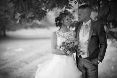 Émilie & Steve (Vianney Vaubourg) Tags: mariage wedding photographer vianney vaubourg photographie 2017 noirblanc blackwhite nb robe bouquet bokeh nikon d4s nikond4s nikkor afsnikkor85mmf14g 85mm 85mmf14 f14g nanocristal vosges lorraine france sb900 sb910 profoto parapluie deep umbrellas deepumbrellas nikoncls phottix odinii odin f14