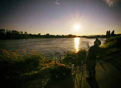 Fisherman (CoolMcFlash) Tags: fisherman fischer summer sun sunlight sunset sundown sunny sunflare vienna donauinsel austria person man candid vignette canon eos 60d sommer warm sonne sonnenlicht sonnenuntergang sonnig blendenfleck wien österreich mann fotografie photography sigma 1020mm 35