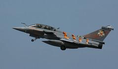 Humble rumble (crusader752) Tags: frenchairforce ec01030 dassault rafaleb 32430hw hardtobehumble landivisiau 2017 nato tigermeet spottersday jet jetfighter fighter specialmarks