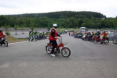 IMG_9345 (Christophe BAY) Tags: mobyltettes francorchamps 2017 rétromobile club spa circuit moto vespa camino flandria