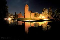 castello di noale (sanino fabrizio) Tags: castello ruderi lago fiume notturna riflessi monumento storico artistico night noale venezia veneto italia canon 550d 1020 sigma lunga esposizione