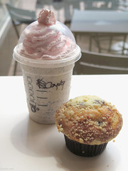 Starbucks Furryccino and blueberry muffin (Coyoty) Tags: anthrocon2016 starbucks furryccino frappuccino westinhotel westingconventioncenter drink shake milkshake vanilla vanillabean chocolate chocolatechip blended pink coconut whippedcream blueberry muffin blueberrymuffin dessert cake color pittsburgh pennsylvania pa coffee coffeeshop bokeh lunch white brown black pastel bakedgoods baked product furryfandom furry anthropomorphic convention anthrocon food emptyseat window seat table sweet chair still stilllife texture obligatory opi owf