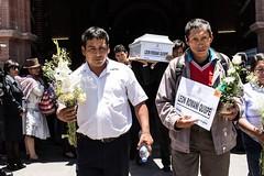 "Ministra Pérez Tello participó en entrega de restos de víctimas de la violencia en Ayacucho • <a style=""font-size:0.8em;"" href=""http://www.flickr.com/photos/156664909@N08/35499798880/"" target=""_blank"">View on Flickr</a>"