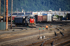 Espee Geep (ScholzRUNNER) Tags: sp espee southernpacificrailroad uprr unionpacificrailroad bnsf portland oregon emd gp60 dieselelectric trains railroad railroadphotography