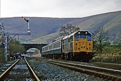 31285, Edale, November 1985 (David Rostance) Tags: 31285 class31 edale hopevalley semaphoresignals