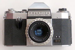Praktica Nova (pho-Tony) Tags: photosofcameras prakticanova 35mm slr singlelensreflex east germany ddr eastgermany german 1970s meritar f29 50mm preset meritar2950 eludwig