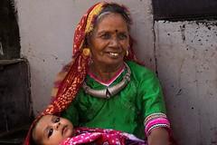 Nakhatrana. Gujarat. India. (Tito Dalmau) Tags: portrait woman jelwery children nakhatrna gujarat india