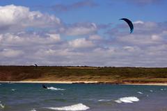kite (Frank S (aka Knarfs1)) Tags: strand beach meer see sea kit surf surfing wellen waves sky himmel surfer france frankreich bretagne brittany