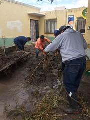 WhatsApp Image 2017-07-01 at 10.26.20 AM (Pancho Domínguez) Tags: lluvias sjr sanjuandelrío querétaro querétaroestáennosotros qro hombroconhombro apoyo inundación xajay starosa