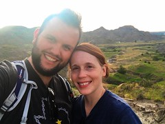 sunset hike (ekelly80) Tags: montana makoshikastatepark june2017 summer roadtrip keisgoesusa badlands glendive geology scenery hike trail sunset sun glow sky bright light selfie rocks hills mountains rockformations