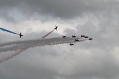 RAFCosfordAirshow2017-157 (mcaviationphoto) Tags: rafcosford rafcosfordairshow theredarrows royalairforceaerobaticteam rafat rafscampton uk unitedkingdom britisharmedforces raf royalairforce aerobatic aerobaticteam militaryaerobaticdisplayteam baehawkt1 baesystemshawkt1 baehawkt1a baesystemshawkt1a baehawk baesystemshawk bae baesystems hawkersiddeleyhawk hawkersiddeleyhs1182hawk britishaerospace hawkersiddeley baesystemsmasdivision baesystemsmilitaryairsolutionsdivision jet militaryjet trainer militarytrainer militaryjettrainer advancedtrainer advancedjettrainer militaryadvancedjettrainer
