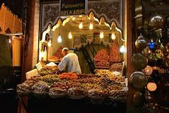 Marocco- Marrakech (Explore) (venturidonatella) Tags: africa marocco morocco marrakech suk mercato market colori color d500 nikon nikond500 gentes people luci lights hop negozio shop explore