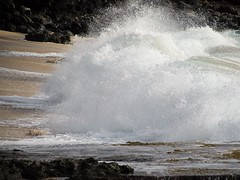 Shorebreak (thomasgorman1) Tags: shorebreak hawaii waves surf crashing beach sand water sea ocean pacific oahu rocks lavarock boulders