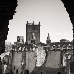 St Davids Cathedral from the Bishops palace ruins.... (AJFpicturestore) Tags: stdavids cathedral bishopspalace ruin pembrokeshire wales monochrome blackwhite alanfoster