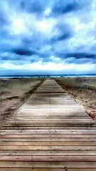 A perfect day to go to the beach....🌊😎 (carlesbaeza) Tags: playa platja beach storm temporal tempesta tormenta castelldefels catalonia catalunya nubes núvols