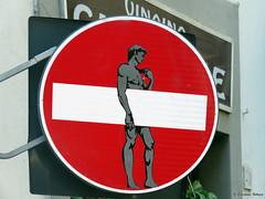 Senso vietato n°1 (scardeoni_fabrizio) Tags: segnale stradale vietato davide senso