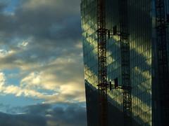 20120929-DSCF8139 (A/D-Wandler) Tags: ezb europäischezentralbank frankfurt frankfurtammain bau fassade kran reflektion quadratisch