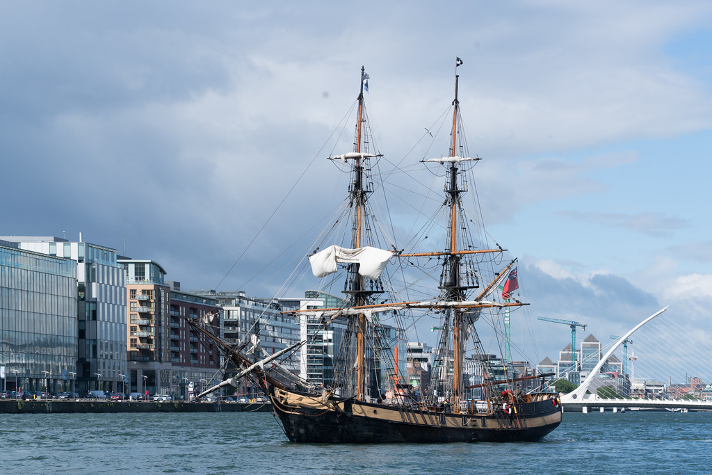THE PHOENIX LEAVES DUBLIN PORT [DUE TO VISIT DROGHEDA LATER IN THE WEEK]-129434