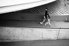 father and daughter (gato-gato-gato) Tags: digital zürich schweiz ch herbst leica leicammonochrom leicasummiluxm35mmf14 mmonochrom messsucher monochrom nachmittag november samstag sonne strasse street streetphotographer streetphotography streettogs suisse svizzera switzerland zueri zuerich zurigo black flickr gatogatogato gatogatogatoch rangefinder streetphoto streetpic tobiasgaulkech white wwwgatogatogatoch manualfocus manuellerfokus manualmode schwarz weiss bw blanco negro monochrome blanc noir strase onthestreets mensch person human pedestrian fussgänger fusgänger passant sviss zwitserland isviçre zurich
