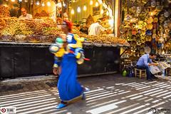 Zoco Medina Cakes and News (Alesfra) Tags: tamron14150mmf3558diiii albertojespiñeirafrancés alesfra alesfrafotografia alesfraphotography alesfracom em1 foto marrakech marruecos medina mirrorless morocco olympus olympusem1 olympusomdem1 omd photo sinespejo tamron wwwalesfracom zoco cake árabe pastel tendero tienda periódico news noticias sombra luz shadow light compostion people gente retrato portrait africa color plato dish king cuadro maroc trip viaje composición bombilla bulb lamp lámpara woman muje bike bicicleta triciclo shop movimiento movement acción action