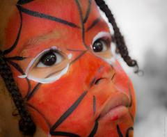 #25/52 Rouge (Vert Mango) Tags: rouge visage portrait coloré maquillage 52 festif