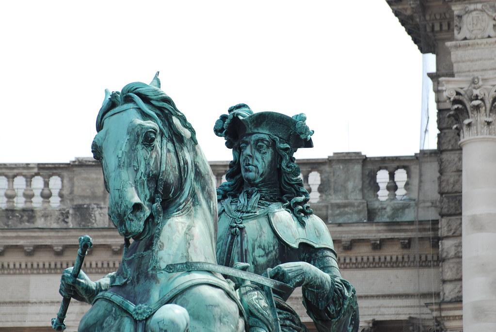 фото: Памятник Принцу Евгению Савойскому