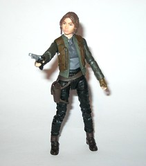 jyn erso - sergeant jyn erso - jedha star wars the black series 6 inch action figures 2016 red packaging the force awakens #22 rogue one q (tjparkside) Tags: sergeant jyn erso jedha rebel star wars sw tbs black series 6 six inch action figure figures hasbro 2016 rogue 1 one story alliance number 22 twenty two red package disney scarf cloak hood blaster holster jacket pistol weapon r1 packaging force awakens