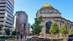 Summer evening in Downtown Buffalo, NY (iamlewolf) Tags: buffalonewyork buffalony buffalo ny wny newyork westernnewyork downtown dome colorful vibrant beauty july 2017 july2017 sunshine people streetphotography