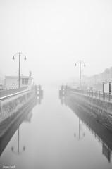 Port en Bessin (jaume vaello) Tags: nikon nikond5100 kenko kenkond400 longexposure largaexposición normandia jaumevaello blancoynegro bw sigma1020 manfroto francia niebla fog