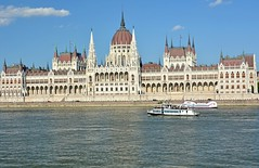 Parliament , Budapest , Hungary (misi212) Tags: parliament budapest hungary river danube