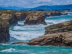 ¡Te has fijado cómo sube! (Jesus_l) Tags: europa españa galicia lugo playalascatedrales mar jesúsl
