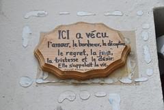 Noonie (emilyD98) Tags: street art paris insolite rue mur wall collage citation noonie 5 ème 75005 urban exploration city ville installation