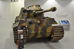 Sd.Kfz 182 Panzerkampfwagen VI Ausf B Henschel production (Richard.Crockett 64) Tags: sdkfz182 panzerkampfwagen vi ausfb tigerii vk4503 königstiger pzkpfwtigerausfb kingtiger royaltiger tank armouredfightingvehicle militaryvehicle henschel germanarmy wehrmacht ww2 worldwartwo bovingtontankmuseum bovington dorset 2017