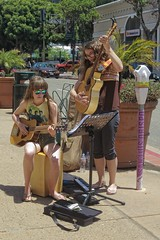 Street Music (Viejito) Tags: sanluisobispo california slo ososstreet higuerastreet usa unitedstates geotagged geo:lat=35280881 geo:lon=12066127 amerika amérique américa america canon powershot s100 canons100 art arte kunst arrowhead water keyboard case guitar string butterfly facial expression disconnect stand clamp parkingmeter curb kerb trash can bank unionbank sunglasses beatles muscle shirt girls young ladies legs shorts capris palm trees cars planter flowers money calpoly mustangs brunette hair bare feet barefoot босиком scalzo descalço barfüssig piedsnus descalzo thong footwear toes busking dollars peace