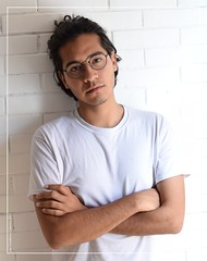Vlanco (Cuaderno Cabrera) Tags: portrait queer white retrato young photography photo lentes joven hombre hair guy glasses gayboy gay fotografía foto digital selfportrait serie autorretrato chico boy blanco méxico mexican mexico mexicano
