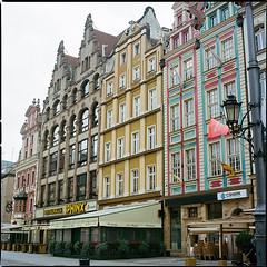 Wrocław XLV (__Daniele__) Tags: wrocław breslau polska polen pologne polonia poland silesia slask analogue analog film kodak portra 400 c41 6x6 120 hasselblad 500cm 80mm planar rynek