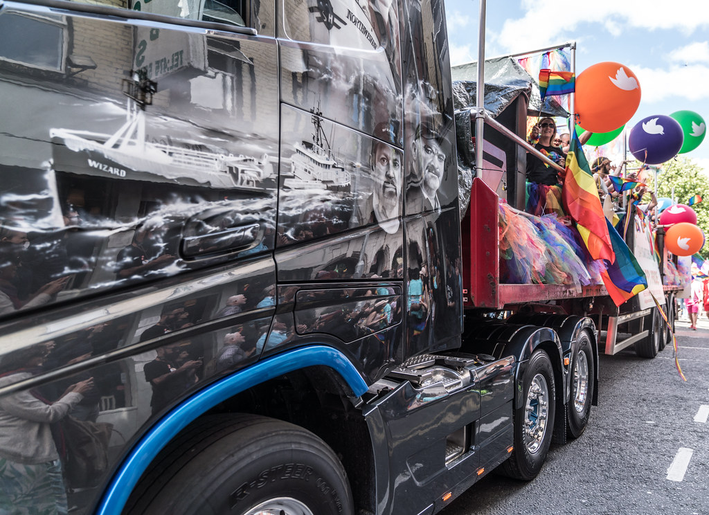 LGBTQ+ PRIDE PARADE 2017 [ON THE WAY FROM STEPHENS GREEN TO SMITHFIELD]-130111
