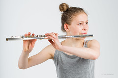 Fløytespilleren - The fluteplayer (Jaholme) Tags: musikk livmaija studio portrett fløyte jente vakker kvinne flute beautiful music fotojanholmebukt