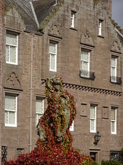 Lion statue (bluestarhorizon) Tags: glamis statue lion castle mansion stately home window