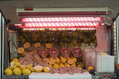 O'MUSSO (falgraf) Tags: musso campania italy italia market food mercato caserta meat carne limoni lemon street strada festa ambulante
