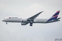 Latam Chile --- Boeing 787-9 Dreamliner --- CC-BGF (Drinu C) Tags: adrianciliaphotography sony dsc rx10iii rx10 mk3 fra eddf plane aircraft aviation latamchile boeing 7879 dreamliner ccbgf latam