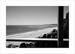 Scène de vie ordinaire ... (Panafloma) Tags: 2017 algarve géographie personnes portugal vacances photographe fr bw monochrome noiretblanc
