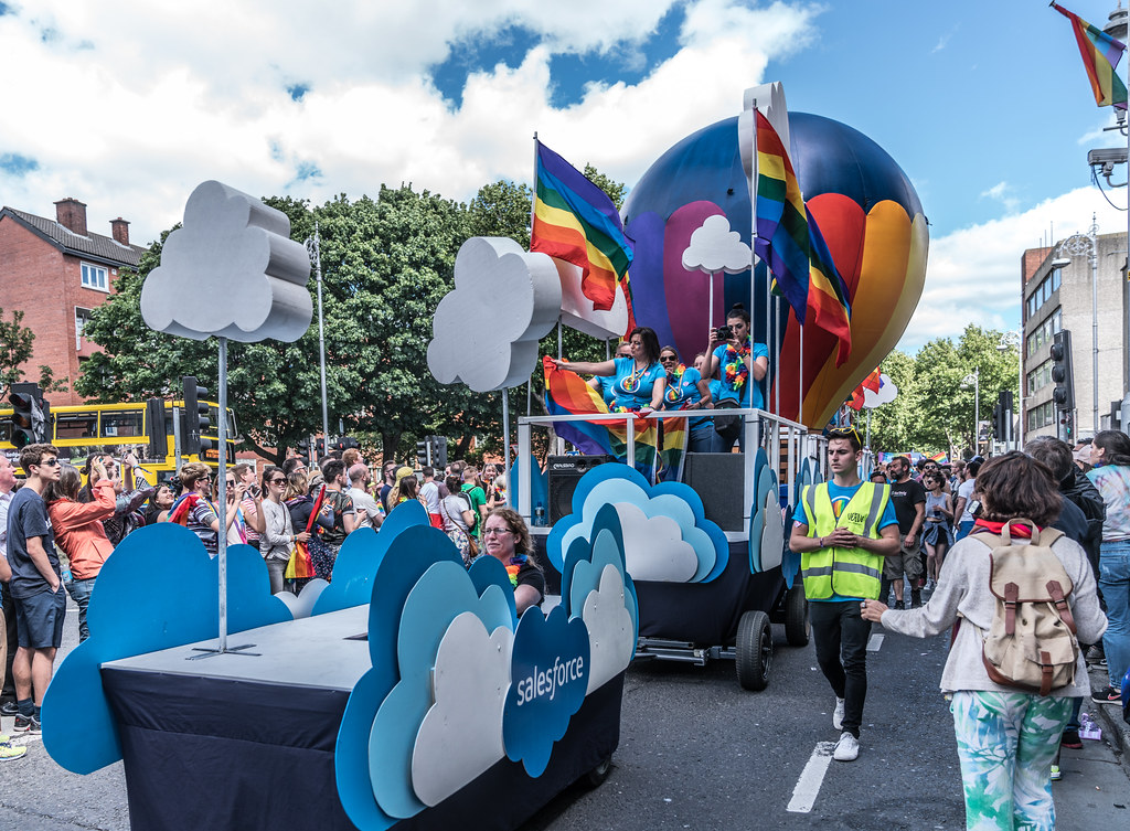 LGBTQ+ PRIDE PARADE 2017 [ON THE WAY FROM STEPHENS GREEN TO SMITHFIELD]-130145