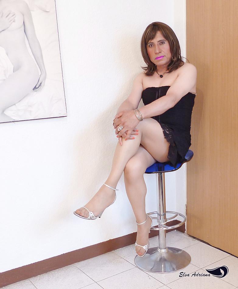 Clothing for transvestite