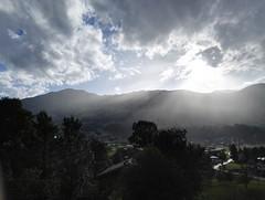 Sommerregen (manuel.moser) Tags: sonne regen wolken berge tal zillertal