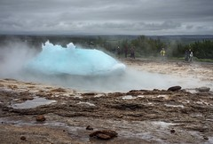 Big blue bubble (PeterThoeny) Tags: geysir iceland geyser bubble bluebubble eruption water cloud cloudy day outdoor sony sonya7 a7 ii a7mii alpha7mii ilce7m2 fe2870mmf3556oss 1xp raw photomatix hdr qualityhdr qualityhdrphotography fav200