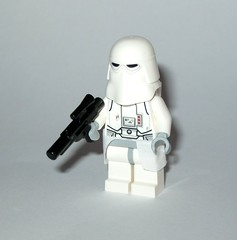 snowtrooper minifigure from 75138 1 lego star wars hoth attack set 2016 a (tjparkside) Tags: snowtrooper lego 75138 1 hoth attack star wars force awakens episode vii 7 seven kylo ren packaging minifigure minifigures mini fig figs 2016 v five 5 tesb esb empire strikes back imperial probe droid probot han solo outfit snow rebel base turret tripod laser cannon rebels trooper ice blaster blasters spanner shovel missile projectile firing battle e web eweb echo