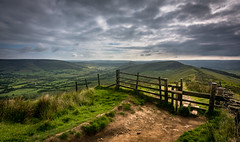 down the ridge (Phil-Gregory) Tags: nikon d7200 tokina 1120mm 11mm 1120 1120mmf28 1116mmf8 1120mmproatx wideangle ultrawide wide green greatridge rushupedge gate fence light valley edale castleton derbyshire peakdistrict naturalphotography nationalpark naturalworld nature natural visage vista view long fly field scenicsnotjustlandscapes