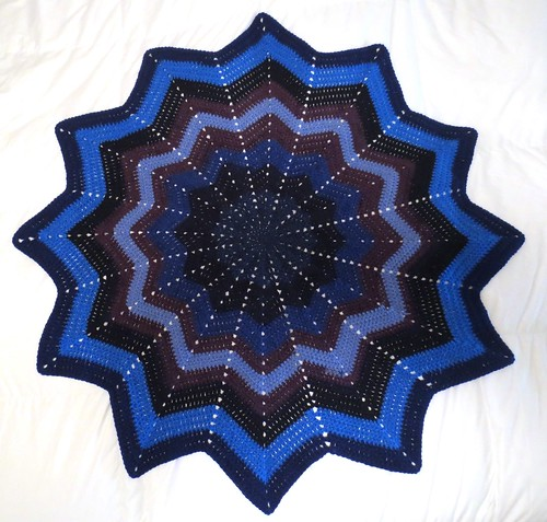 Magic Wheel Round Ripple Blanket