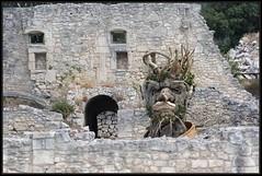 Arcimboldo - Haas (Gramgroum) Tags: sculpture baux provence haas philip géant arcimboldo fruit légumes arbres bois champignon visage personnage saison hiver quatre